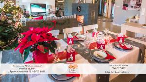 udekorowanie świątecznego stołu